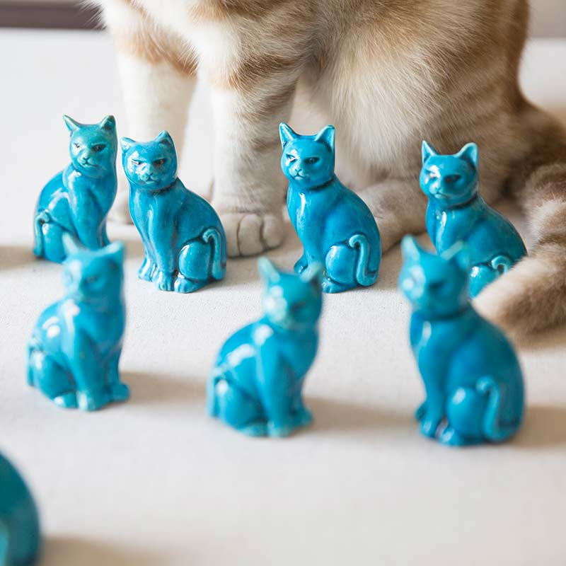 jing-de-zhen-blue-cat-ceramic-teapet-3