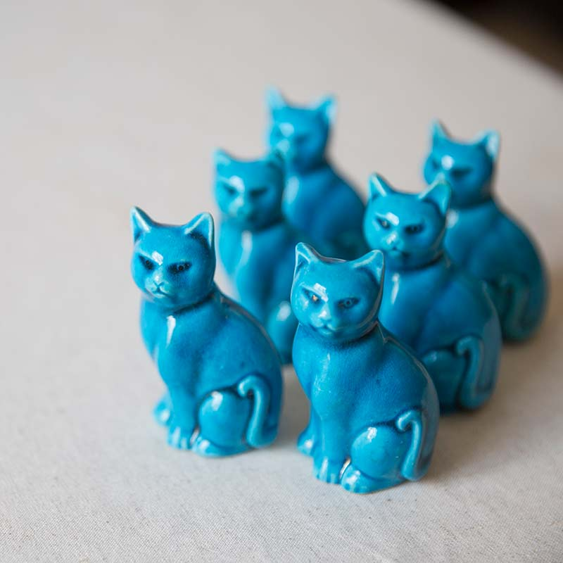 jing-de-zhen-blue-cat-ceramic-teapet-4