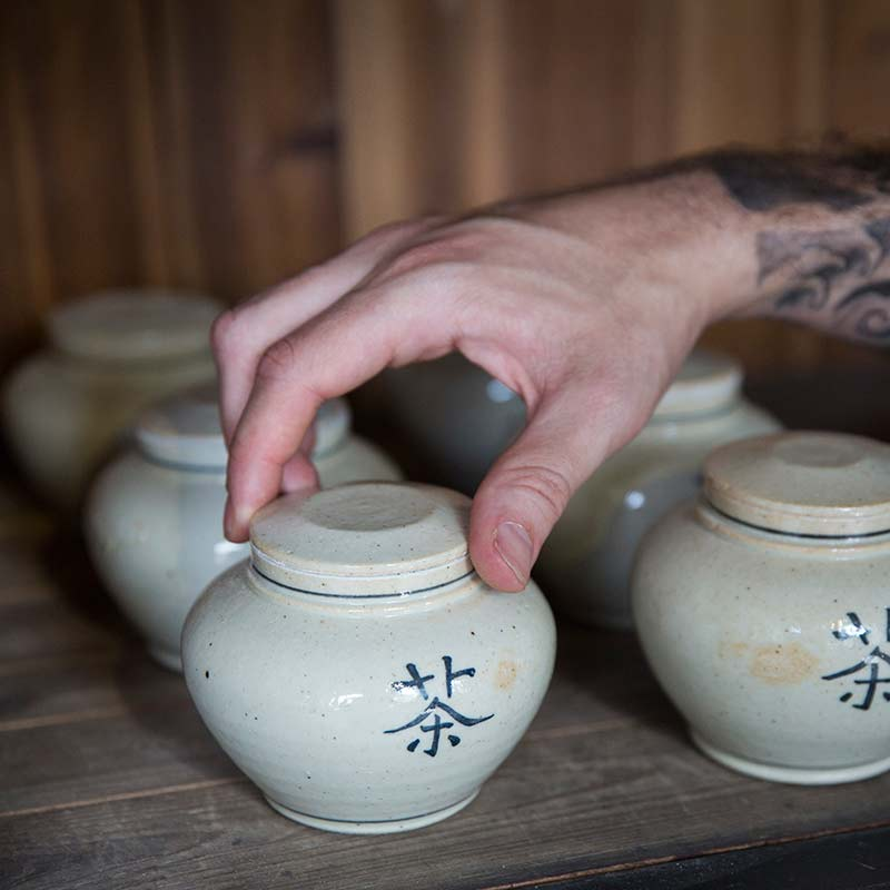 Distant Dynasty Song Style 茶 Tea Jar