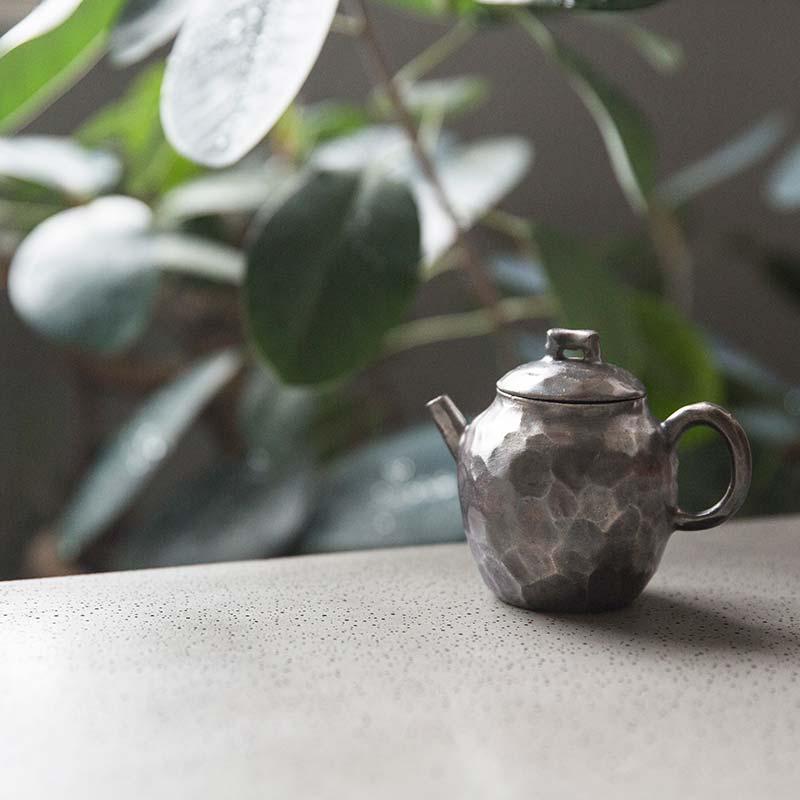 knight-silver-glaze-teapot-1