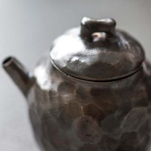 knight-silver-glaze-teapot-2