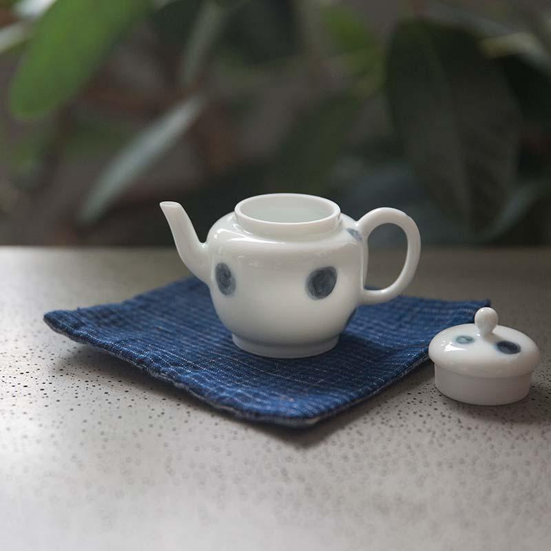 yayoi-porcelain-teapot-1