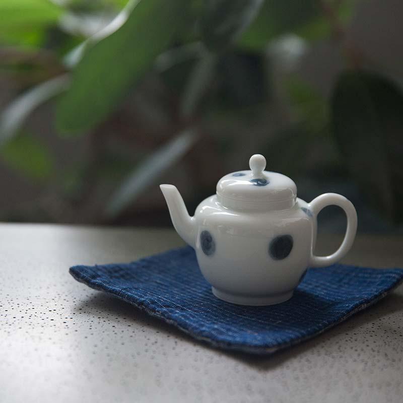 yayoi-porcelain-teapot-2