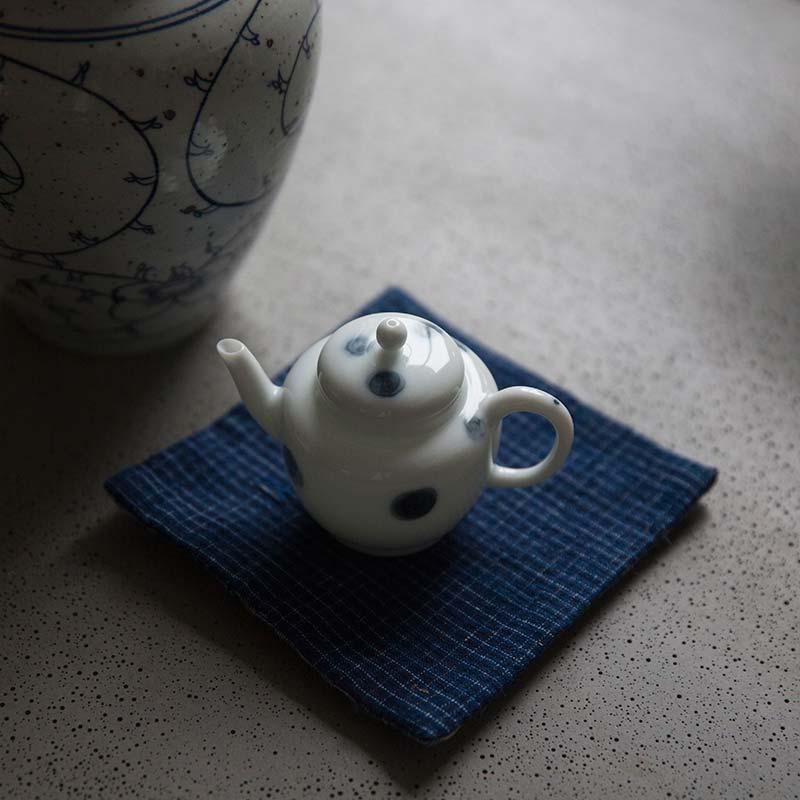 yayoi-porcelain-teapot-3