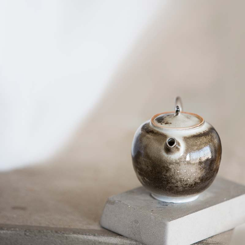 light-shadow-shino-glaze-teapot-11