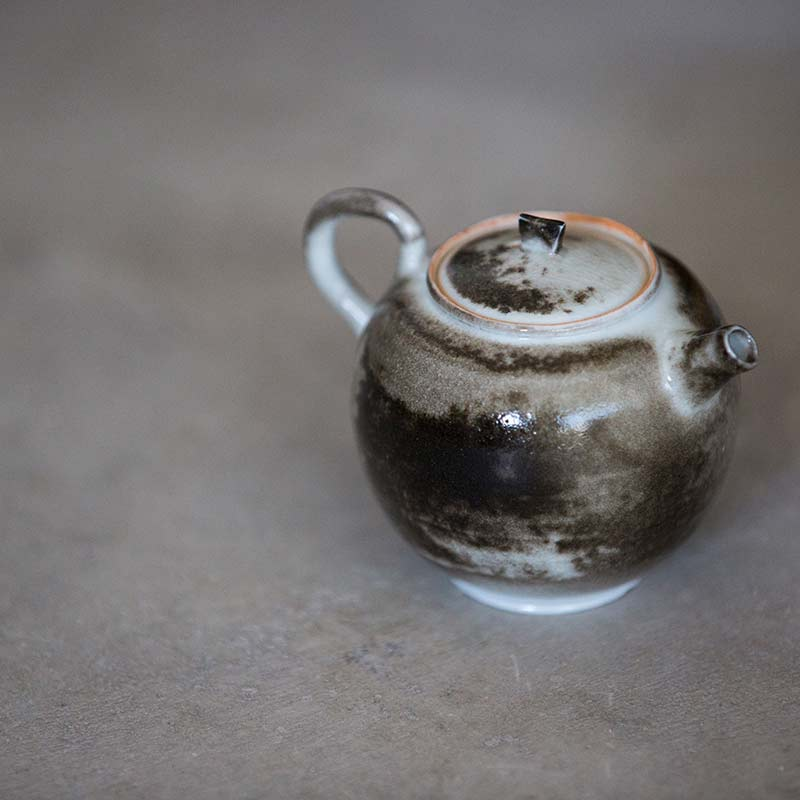 light-shadow-shino-glaze-teapot-12