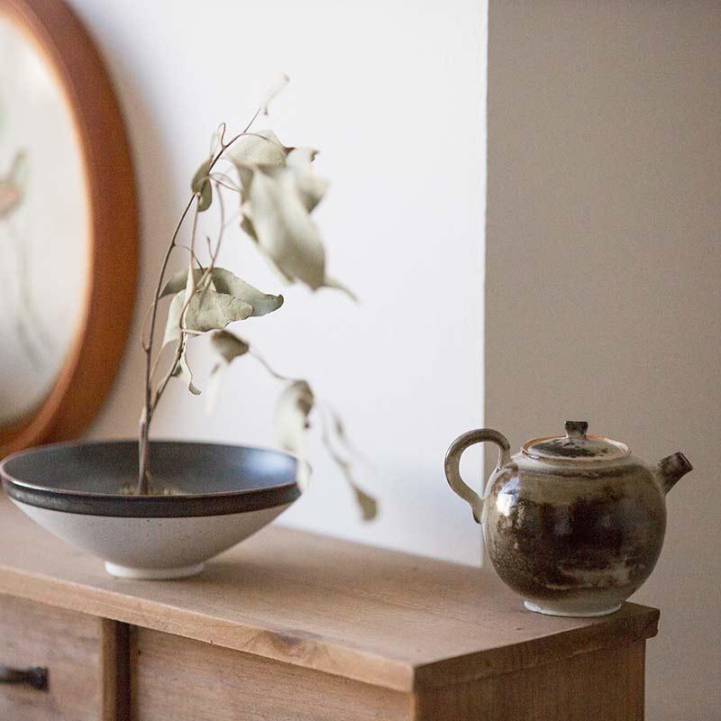 light-shadow-shino-glaze-teapot-14
