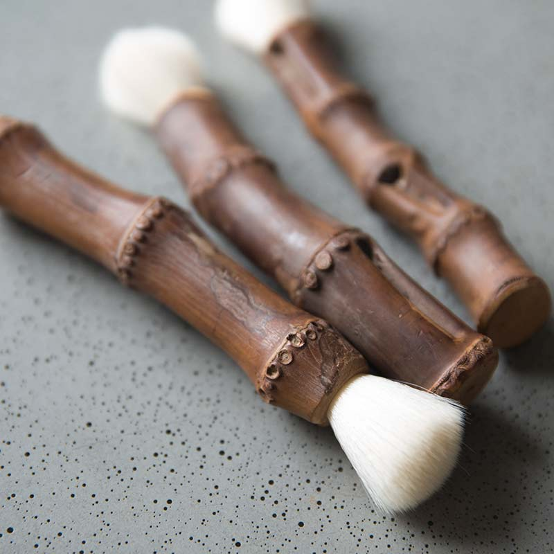 white-hair-brush-3