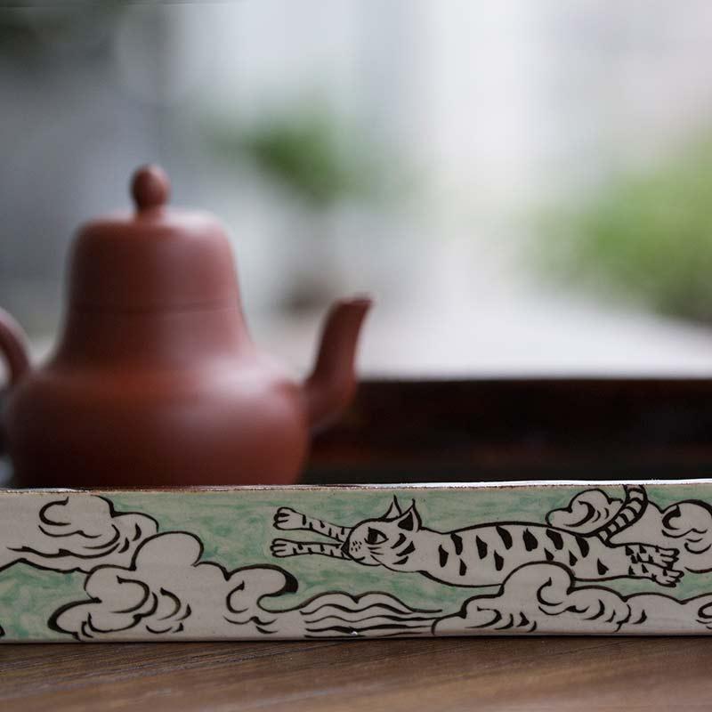 flying-cat-tea-tray-6