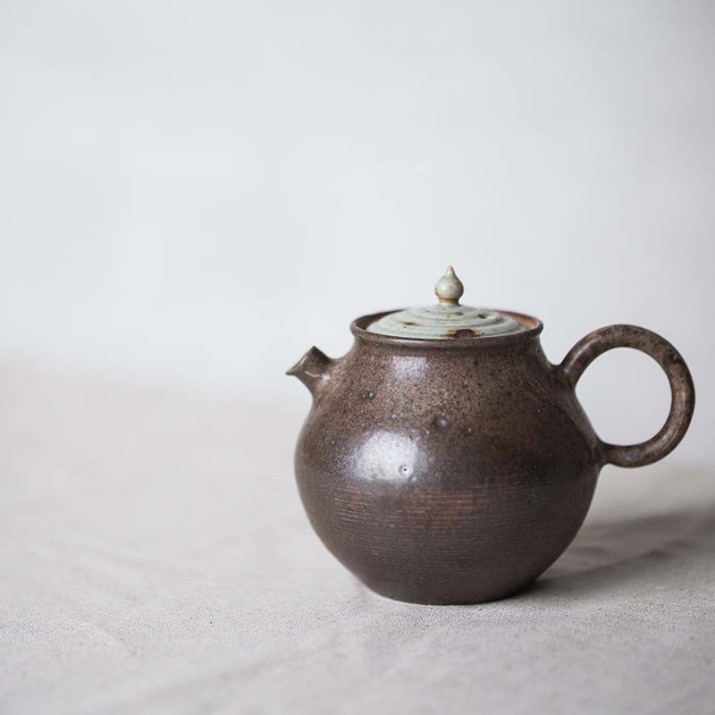 1001-teapot-120-01