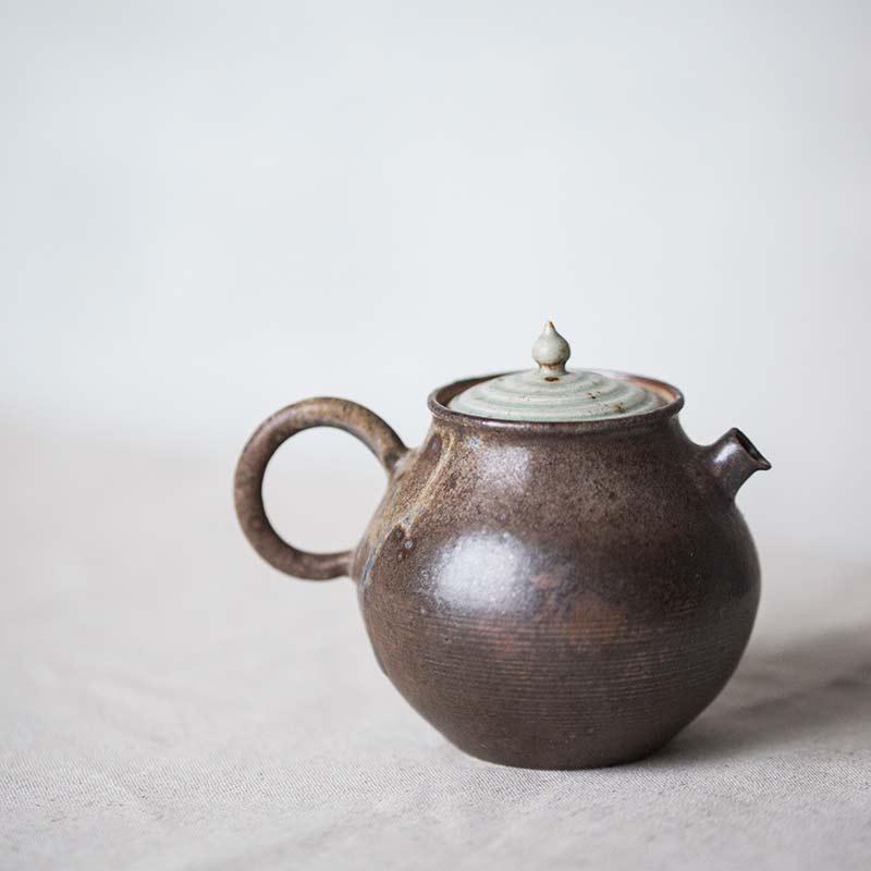 1001-teapot-120-02