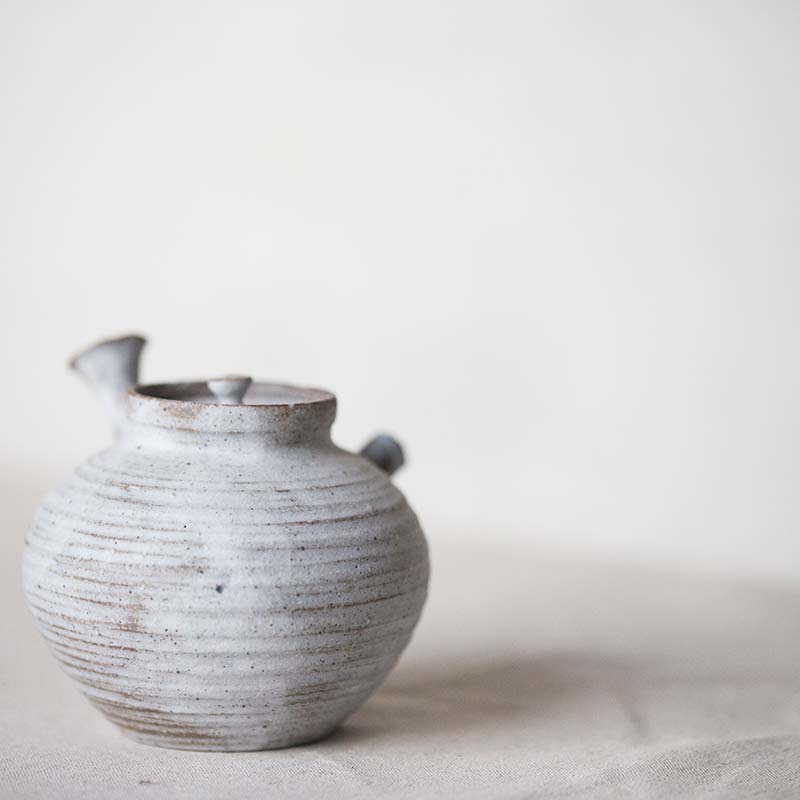 1001-teapot-132-02