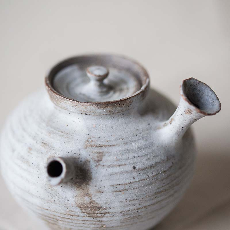 1001-teapot-132-03