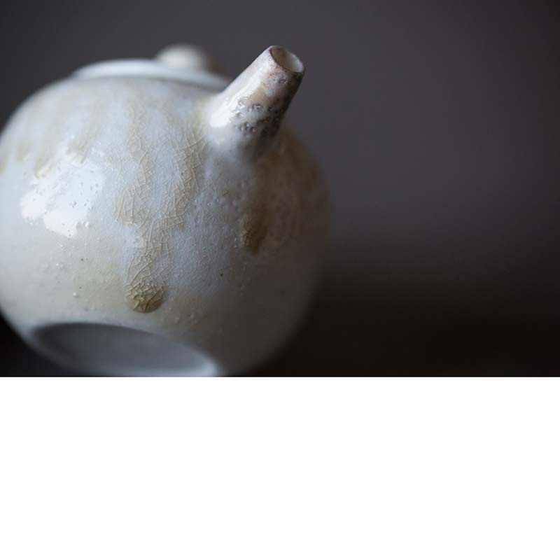 sublime-wood-fired-teapot-pearl-02