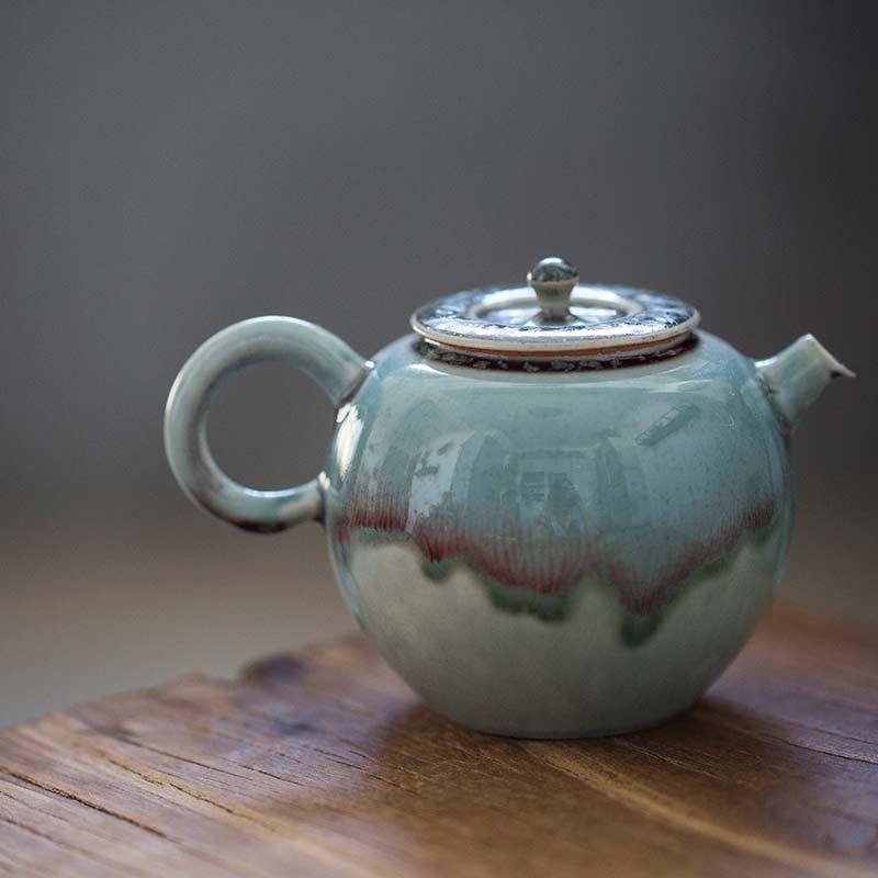 1001-teapots-157-01