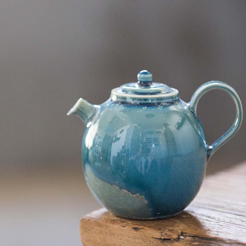1001-teapots-163-01