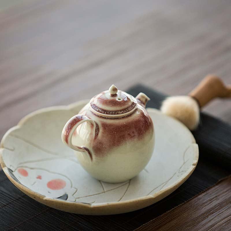 1001-teapots-174-02