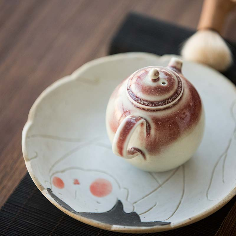1001-teapots-174-03