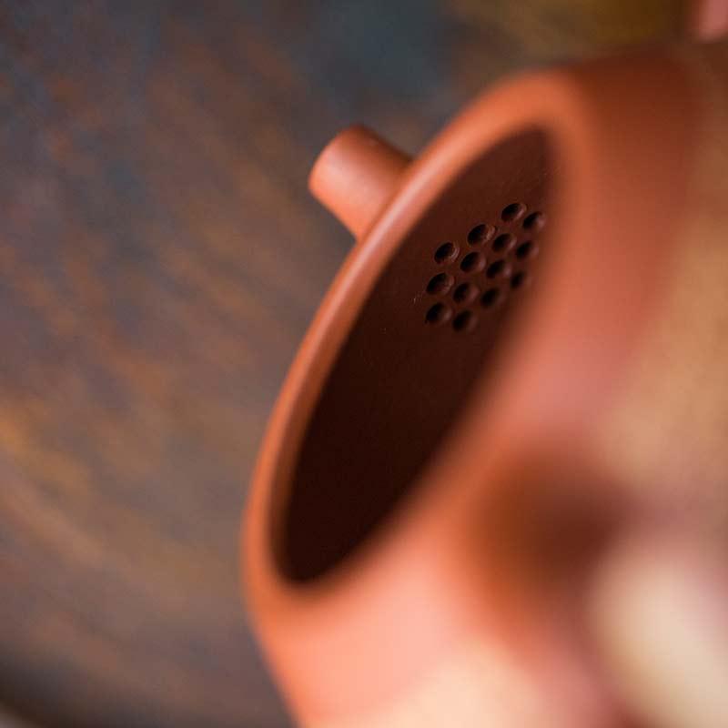 24-gold-engraved-xinjing-yixing-shipiao-teapot-12