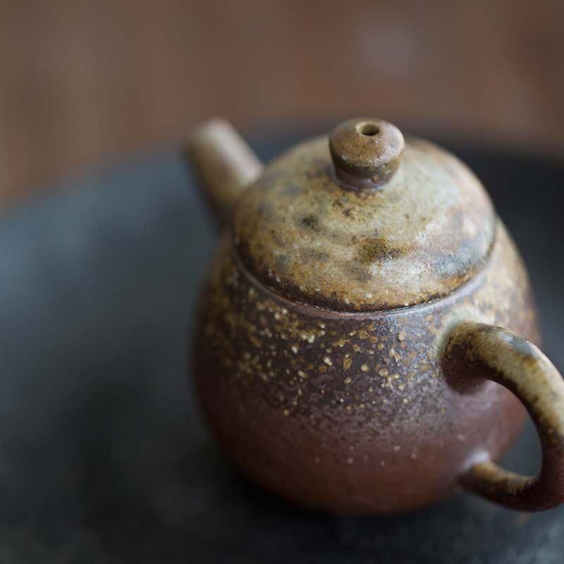 sublime-wood-fired-teapot-yu-10