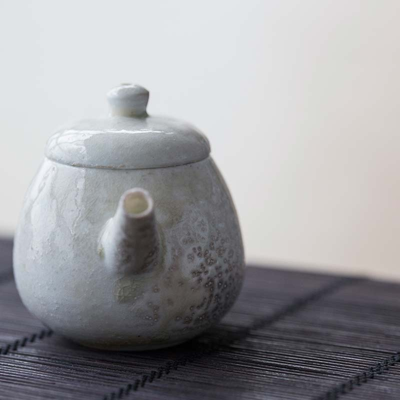 sublime-wood-fired-teapot-yue-1