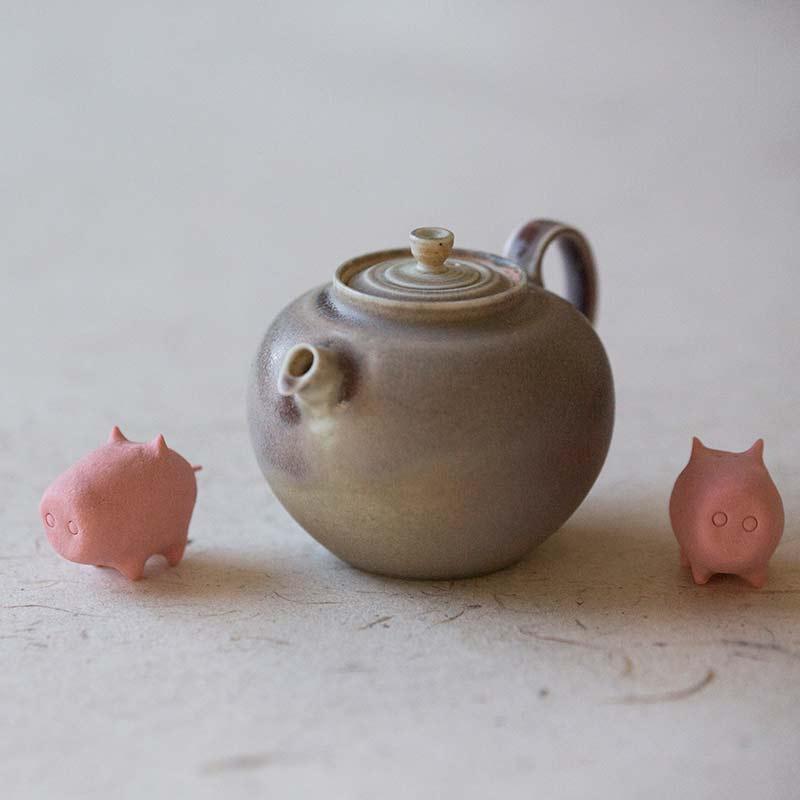 sugarcube-pig-tea-pet-1