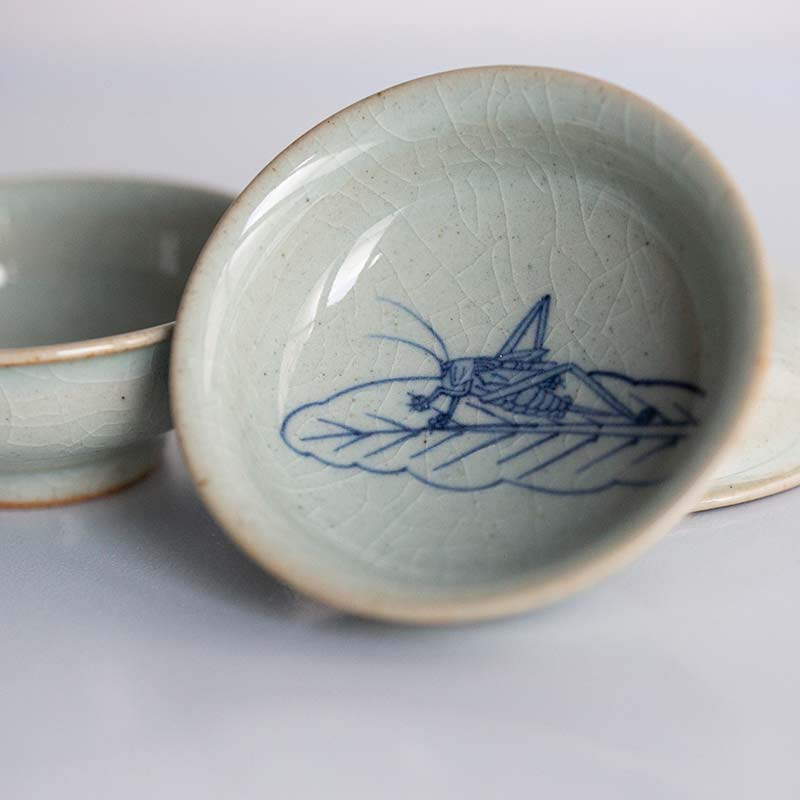 Grasshopper Qinghua Hand Painted Teacup
