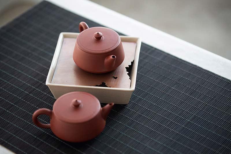 Chaozhou Da Hong Pao Clay Plinth Teapot