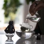 Glass Julunzhu Teapot